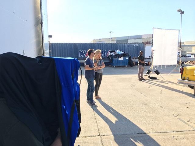 """Alexandra Klim beim Dreh von """"Finding Steve McQueen"""""""