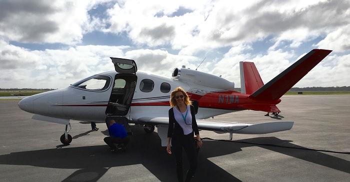 Alexandra Klim kurz vorm Testflug mit der Cirrus Vision SF50