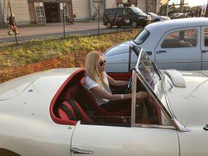 Alexandra Klim und der Nash-Healey Sports 3850 cc Spider