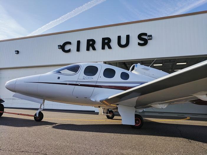 Frisch aus dem Hangar; die Cirrus SF50 Vision