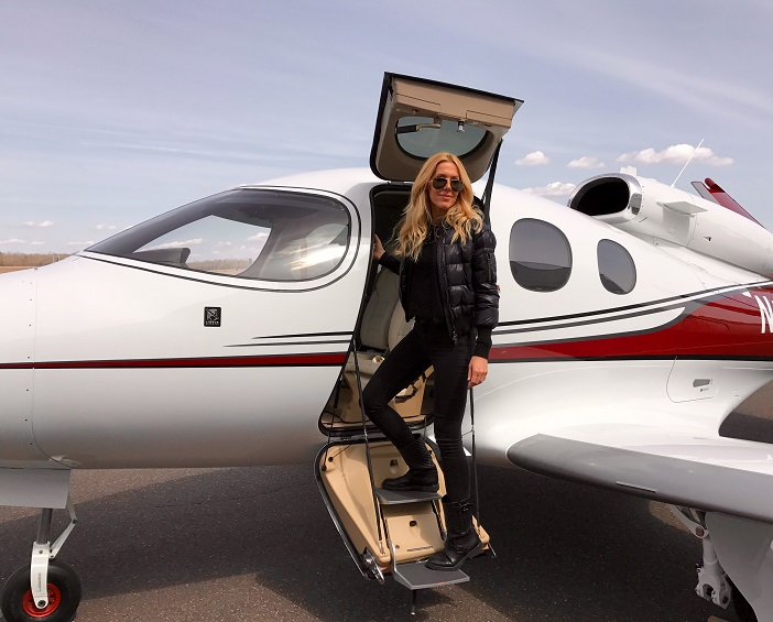 Ready for Take-off: Alexandra Klim und die Cirrus SF50 Vision
