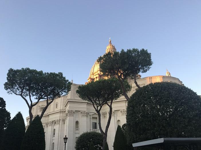 Petersdom am Abend