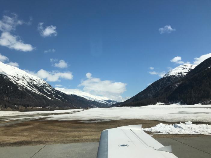 Sichere Landung in St. Moritz mit der Cirrus Vision SF50