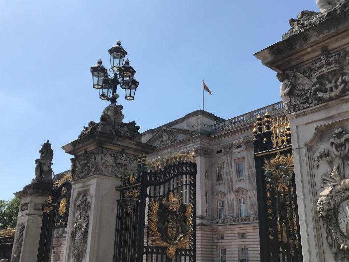 Besuch beim Buckingham Palace in London